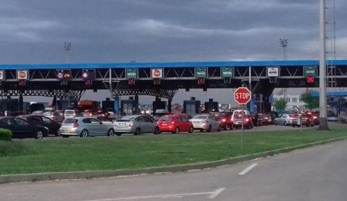 Kamioni na mađarskoj granici čekaju do pet sati, na hrvatskoj do tri 14