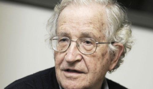 Čomski: SAD srljaju u propast 13