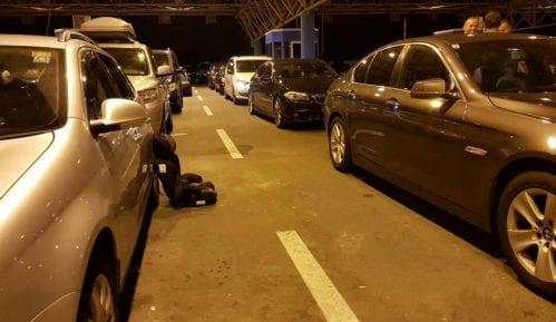 Gužve tokom noći na granici sa Hrvatskom 2