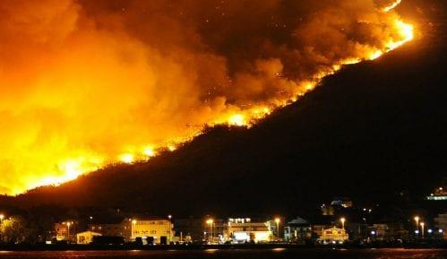 Novi požar kod Splita, vatru gasi i kanader 14