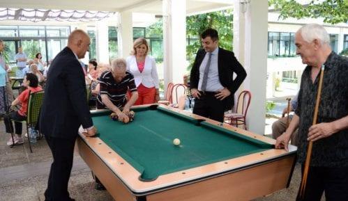 Ministar posetio Gerontološki centar 8