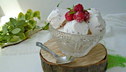 Recept nedelje: Sladoled - brza poslastica sa malinama 13
