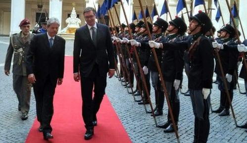 Vučić se zahvalio Italiji na podršci 9