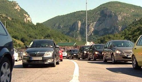 Gužve na ulazu u Crnu Goru, bilo i tuča 3
