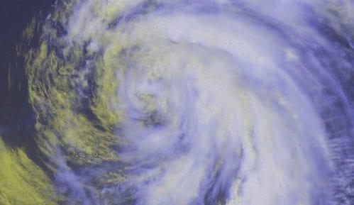 Oluja Beri se pretvorila u uragan kategorije 1 4