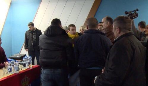 Odbačena prijava za incident na tribini SNS u Beški 7