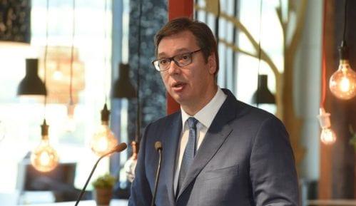 Vučić u Leskovcu tražio da ne bude dočeka građana 14