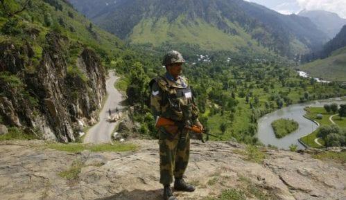 Indijski i kineski vojnici su se gađali kamenjem na Himalajima 8
