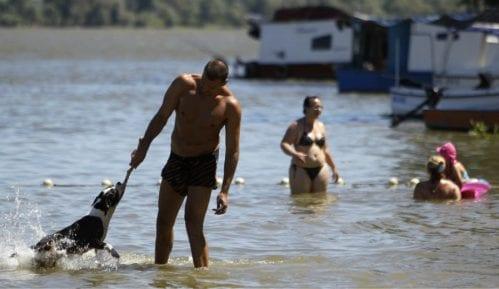 Građani se kriju od ekstremne vrućine 8