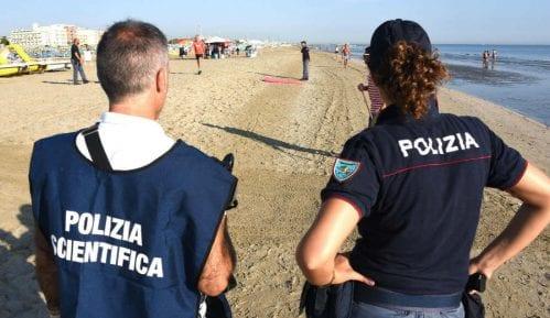 Devojka brutalno silovana, mladić pretučen na plaži u Riminiju 13
