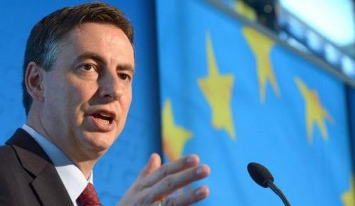 Evropski parlament poziva vlasti da se ne mešaju u rad medija 14