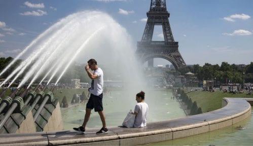 Francuska ukida zabranu okupljanja više od 10 osoba 24