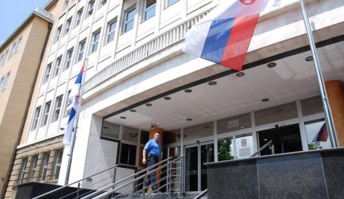 Radikali ispred Specijalnog suda u Beogradu podržali optužene za navodni ratni zločin kod Srebrenice 8