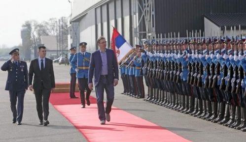 """Vučić nije """"vrhovni komandant oružanih snaga"""" 15"""