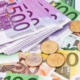 Desetine hiljada evra u wc 6