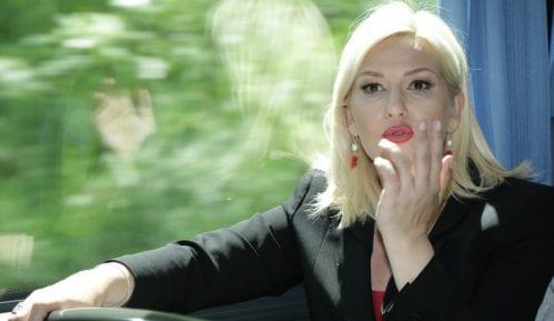 Mihajlović: Nisu žene rođene sa varjačom, a muškarci u šefovskoj fotelji 14