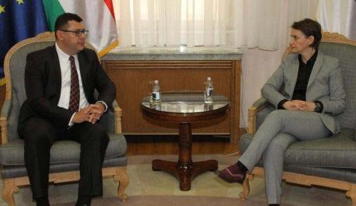 Premijerka se sastala sa mađarskim ambasadorom 3