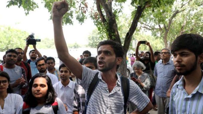 Ubijena indijska novinarka, protest u Nju Delhiju 1