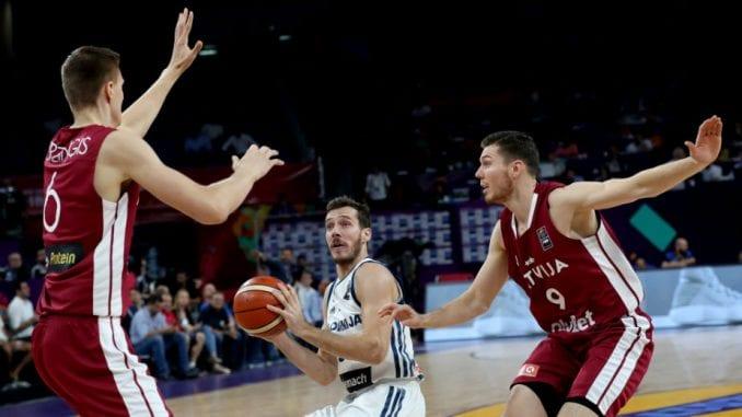 Slovenija drugi polufinalista Eurobasketa 1