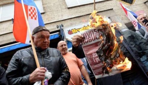 Prete Plenkoviću, zapaljen srpski list 9
