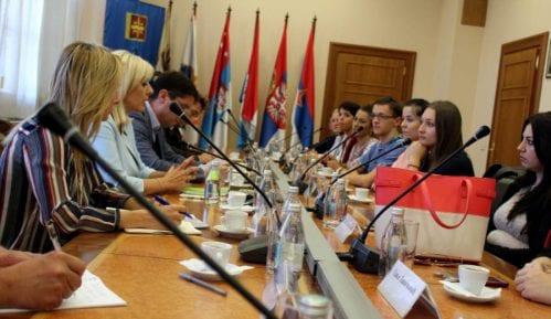 Joksimović sa polaznicima Škole evropskih integracija 7