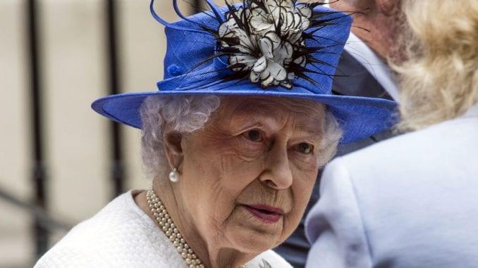 Bakingemska palata: Tramp u junu u Britaniji na poziv kraljice Elizabete Druge 1