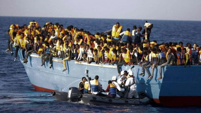 Potonuo brod sa migrantima, jedno dete izgubilo život 1