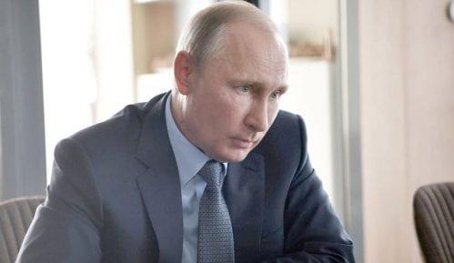 Kremlj: Putin izbegava masovne skupove i testira se na korona virus 14