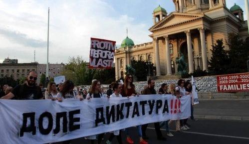 """Policija prijavljuje """"organizatore"""" Protesta protiv diktature 9"""
