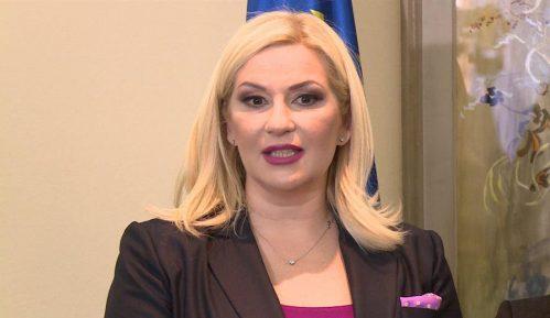 Mihajlović: Posebnu pažnju posveti zapošljavanju Roma 14