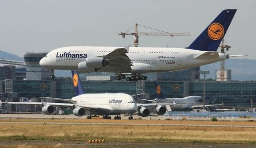 Lufthansa kupuje Er Berlin 13