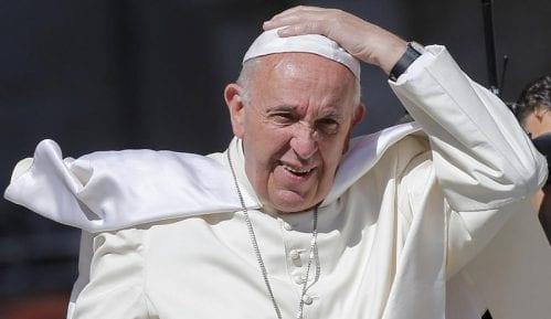 Papa: Otvoriti vrata migrantima 1
