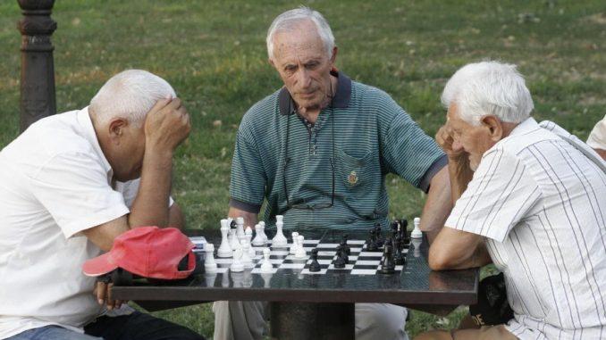 Država od penzionera uzela 612 miliona evra 1