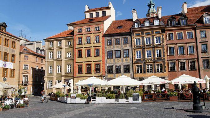 Poljska zbog korona virusa zabranila bogosluženja za više od pet vernika 3