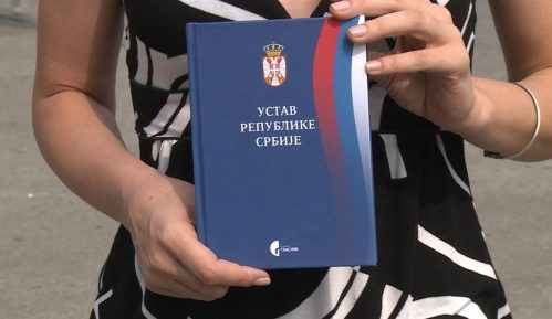 SNP: Ustav Srbije najbolja brana napadima po pitanju Kosova 9
