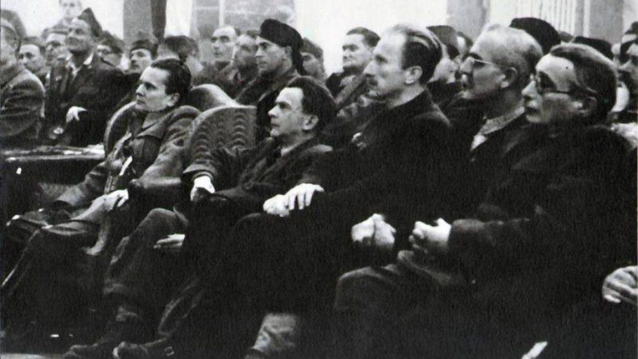 U Jugoslaviji se na današnji dan proslavljao Dan Republike 2