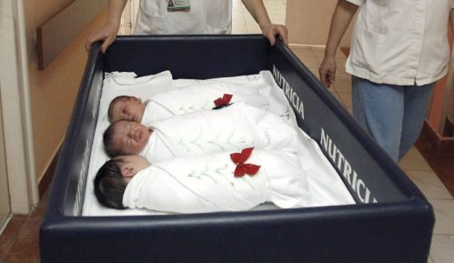 U Beogradskim porodilištima posete ili zabranjene ili ograničene 5