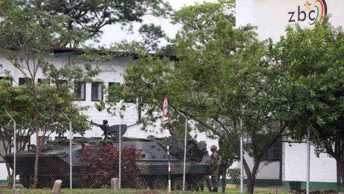 Mugabe i dalje u kućnom pritvoru, u Harareu mirno 1