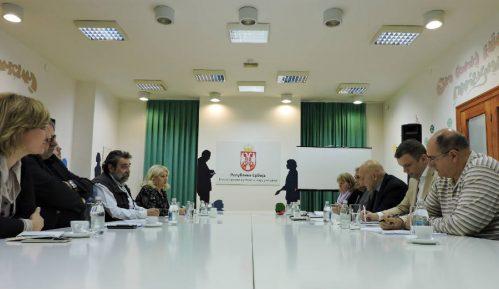 Vukosavljević sa predstavnicima Grupe za slobodu medija 8