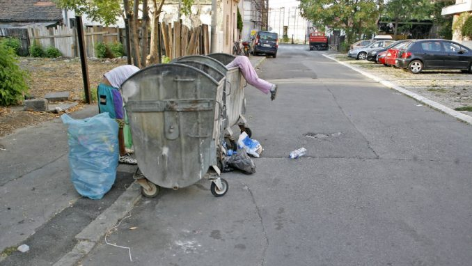 Pola miliona ljudi živi s manje od 200 dinara dnevno 2