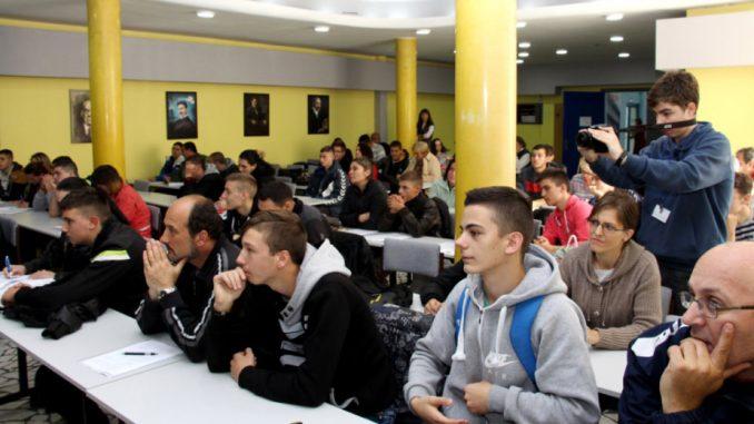 Četvrtina mladih u Srbiji nema ni posao ni školu 1