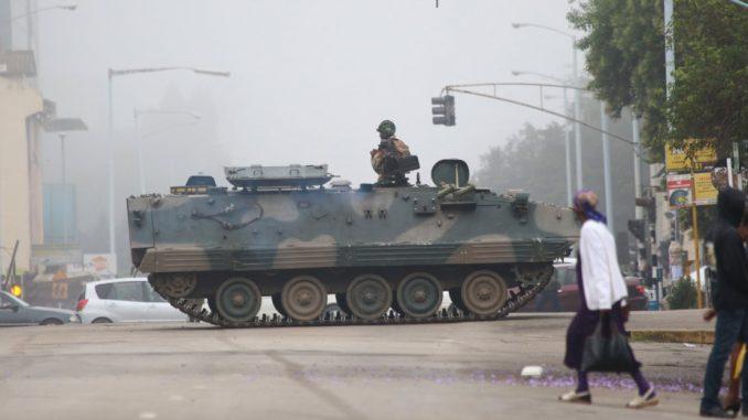 Pet aktivista civilnog društva osuđeno za pokušaj puča u Zimbabveu 1