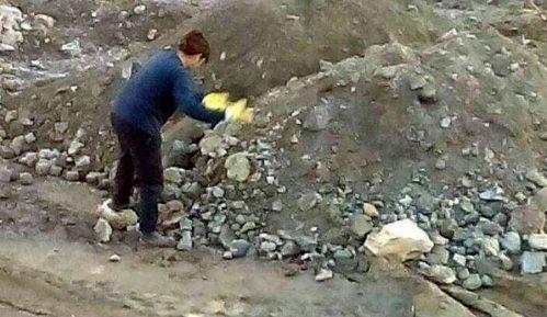 Posle bolovanja laborantkinja vraćena u kamenolom 9