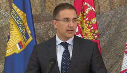 Ministar Stefanović osudio PUF zbog provociranja policije u Zrenjaninu 11
