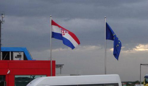 Na granici Slovenije sa Hrvatskom od ponedeljka i policajci iz Estonije, Litvanije i Poljske 15