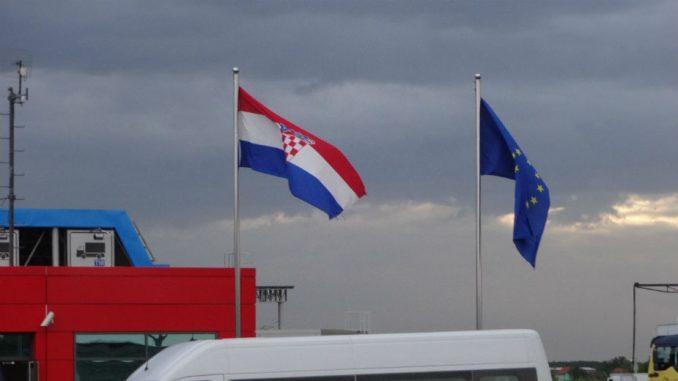 Na granici Slovenije sa Hrvatskom od ponedeljka i policajci iz Estonije, Litvanije i Poljske 3
