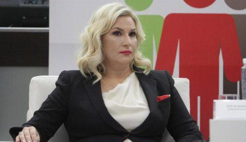 Zorana Mihajlović potpisala donorsku karticu 2