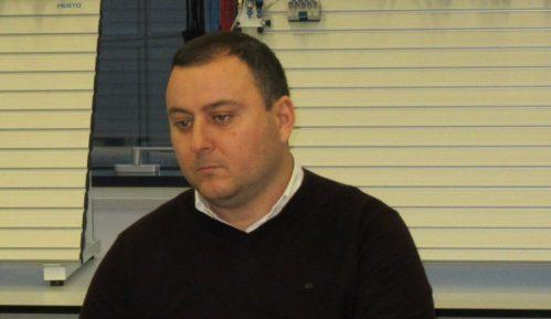 Policija u Obrenovcu pronašla još 100 buradi s hemikalijama 14