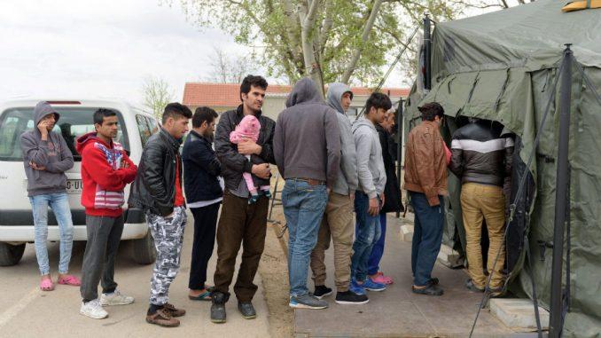 Policija pronašla 37 migranata koji su pokušali da ilagalno uđu u Mađarsku 1