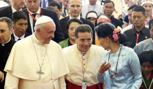 """Papa: Lideri """"iracionalni"""" prema nuklearnom oružju 7"""